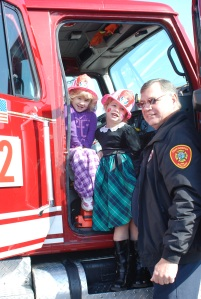 Elisia and Grace Jarvis with Lt. Jones